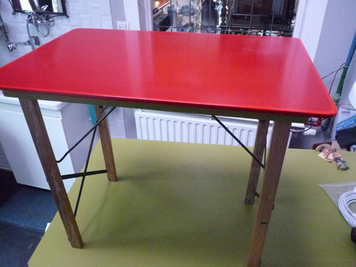 Table pliante bois/ metal   GM  170€